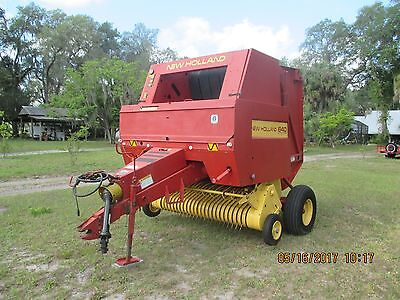 New Holland 640 4' Round Baler, Twine Tie Only. Always Housed