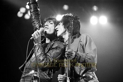 Rolling Stones Jagger Wood Photo 8x12 or 8x10 in 1976 Live Concert London UK L9
