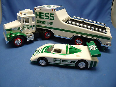 "Hess ""Hess Toy Truck and Racer"" 1988 Lights Original Box Car China Mint MIB"