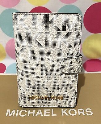 NEW Michael Kors Signature Jet Set PVC Passport Case Holder in Vanilla $98