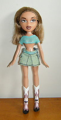 Bratz Funk n Glow Yasmin doll in a different outfit - used