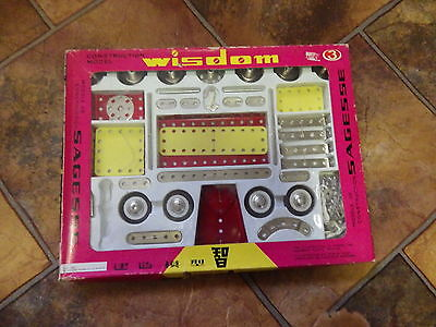 Vintage Chinese MECCANO WISDOM Construction Model Set 3..New in packet with Book