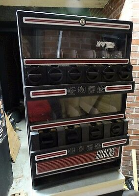 Countertop/stackable snack and beverage vending machines