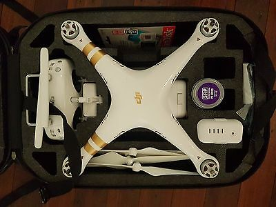 DJI Phantom 3 Professional with lots of accessories, Perfect Condition