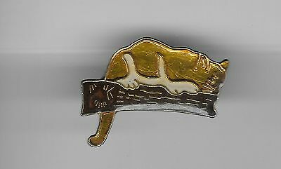 Vintage Mountain Lion in Waiting on Branch b2 old enamel pin