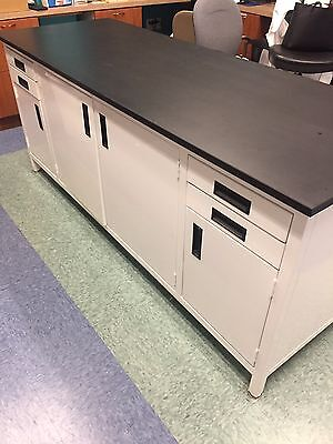 High Quality Lab Work Bench with Power Strip & Black Epoxy Resin Surface
