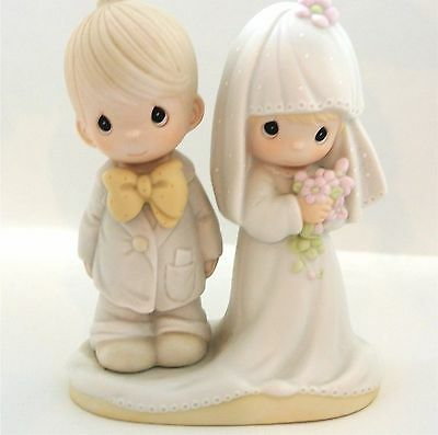 Precious Moments The Lord Bless You & Keep You Wedding couple Collectible