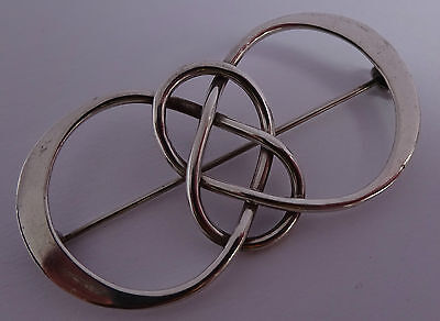 Fabulous solid sterling silver inter linking brooch,Mexico. Marked 925 and TM-60