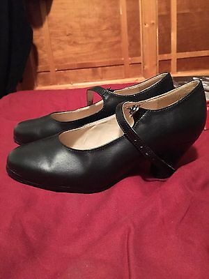 Capezio Dance Shoes Leather & Nailed  Women's Flamenco size 6.5 / size 6 - New