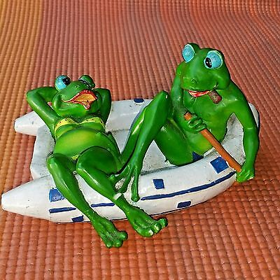 2 Frogs On A Raft Decoration Collectible Figurine Statue