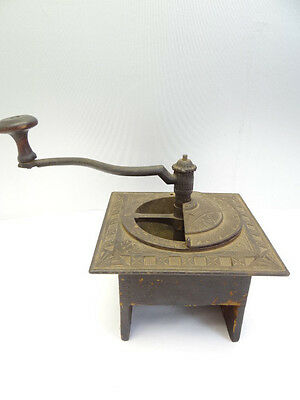 Antique Old Metal Cast Iron Wooden Base Kitchen Coffee Spice Grinder Tool Body