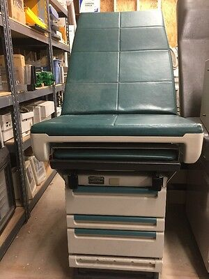 Ritter Midmark 404 Medical Exam Table w/ Stirrups