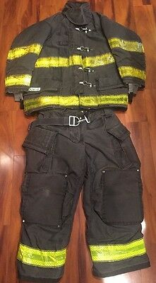 Cairns Firefighter Turnout Gear Set 41x32 Coat 36x28 Pants 2013 Black W Harness