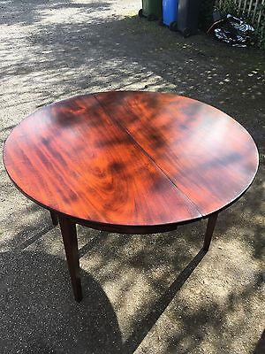 Georgian Flame Mahogany Single Drop Leaf Round Table.