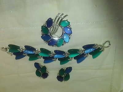 Lisner  Thermoset Lucite Blue Green 3 Piece Set Bracelet Earrings Brooch Vtg