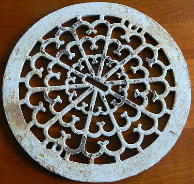 "Antique Victorian Cast Iron Register Grate Vent Round Circle 13.5"" Dia. Crusty"