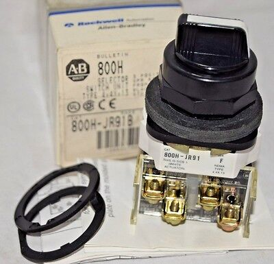 New Allen Bradley 800H-JR91B Selector Switch 3-Position Spring Return