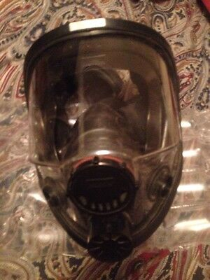 North 76008A Medium/large Full Face Respirator (Mask Only) Msrp $250