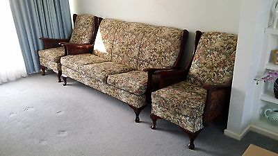 40-50's Australia Made Vintage Antique Queen Anne Style Rattan Side Lounge Suite