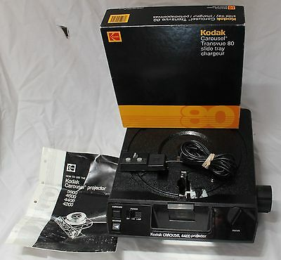 Kodak 4400 Carousel Slide Projector with tray, excellent condition
