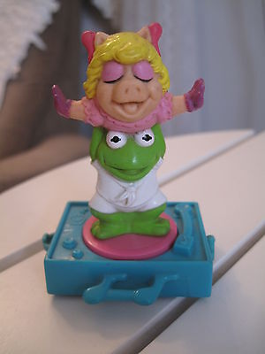 Miss Piggy Kermit The Frog 1994 Small Henson Plastic Figurine Collectible