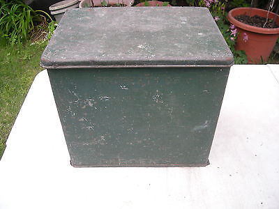 VINTAGE PROPERTY OF BORDEN'S GALVANIZED MILK BOX in old green paint