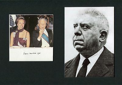 Eugenio Montale NOBEL PRIZE autograph, signed card mounted