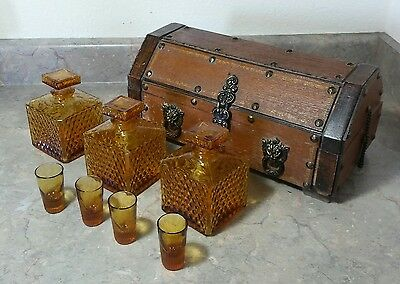 Vintage Pirate Treasure Chest Wood Bar Set Rare Large Chest w/3 Amber Decanters