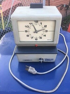 Amano 3600 Series Punch Clock Time Recorder- Model 3609 Working With Key
