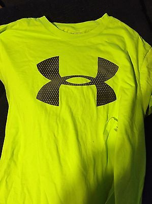 Men's Pristine Under Armour Heatgear Short Sleeve Shirt Loose  Xl. New W/tags