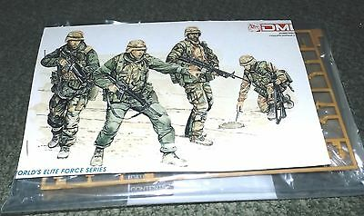 Dragon 1/35 US 1st Div. Troops  The Big Red One Bagged kit - 4 figures