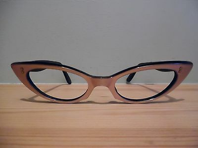"Vintage Pearly Brown Exaggerated ""Pepita Cat Eye Glasses 46 -20"