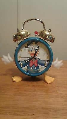 Donald Duck Desk Alarm Clock With Moving Hands