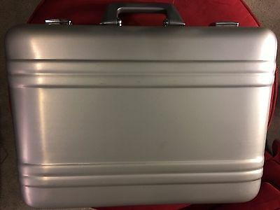 Jensen Aluminum Tool Bag  Pallets Included