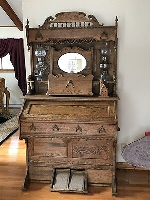antique late 1800's oak organ - excellent condition