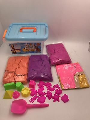6LB Kinetic Sand With Storage Box and Assorted Molds