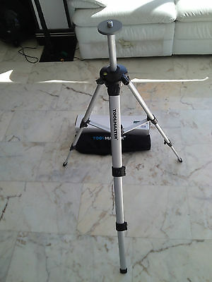 Job Lot Lightweight Survey Tripod With Case  You Won't Find A Better Deal.£19.99