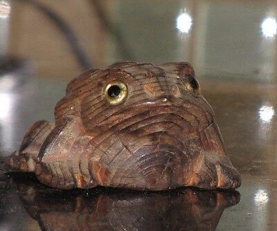 Vintage Japan Hand-Carved Cryptomeria Wood Figure Horny Toad Frog
