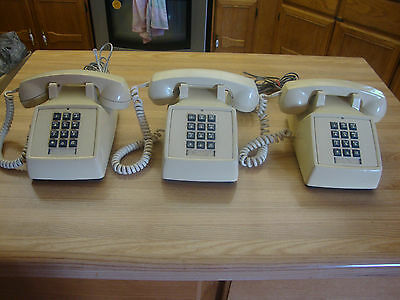 Lot Of 3 Vintage 1981 1982  Northern Telecom Pushbutton Telephone Made In Canada