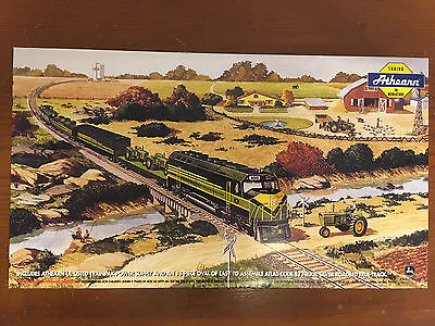 2000 JOHN DEERE HO SCALE ACCESSORY BOX FROM ATHEARN TRAINS IN MINIATURE by RAIL