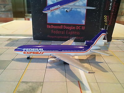 Herpa Federal Express DC-10-10F 1:500 - 500012 1980s Colors. With Printed Window