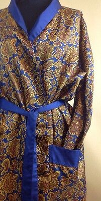 A Vintage Mens Smoking Jacket / Dressing Gown Paisley Print UK Size Large