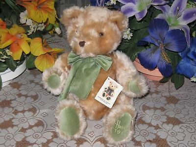 Harrods UK Footdated Christmas Bear Year 1995 with All Tags