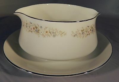 Royal Gallery Fine China 3133 Irene Gravy Boat with Connected Saucer Japan