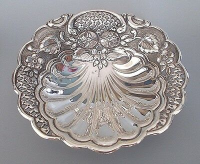 Greek sterling silver repousse & pierced footed dish, signed 'Xeiros' (102g)