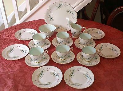 Royal Standard Enchantment Tea Set (21 Pieces) In Very Good Condition