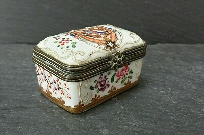 Edwardian C1800 Rare Porcelain Snuff Box . Hand Painted