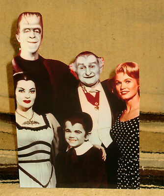 """The Munsters Cast TV Show Figure Tabletop Display Standee 10 1/2"""" Tall"""