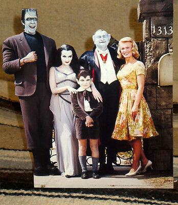 """The Munsters Cast TV Show Figure Tabletop Display Standee 9 1/2"""" Tall"""