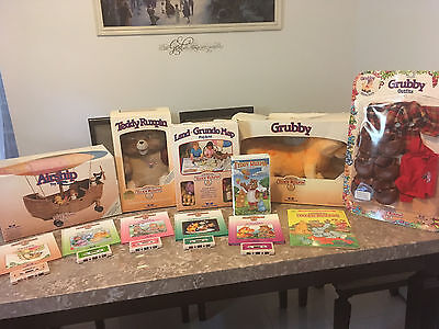 Teddy Ruxpin, Grubby, Grubby's outfit, Story books W/ Cassets, Etc.